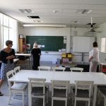 Et mere luftigt klasseværelse med forskellige arbejdsmuligheder